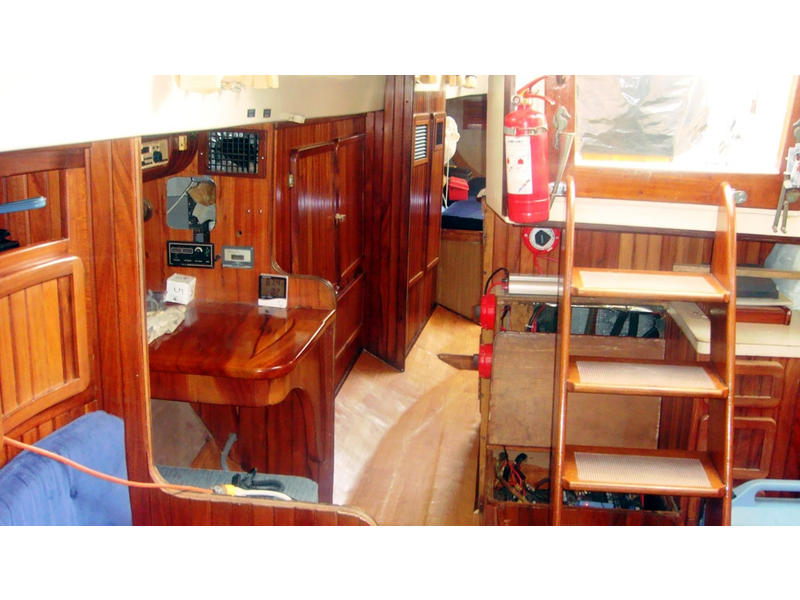 GulfStar Center Cockpit