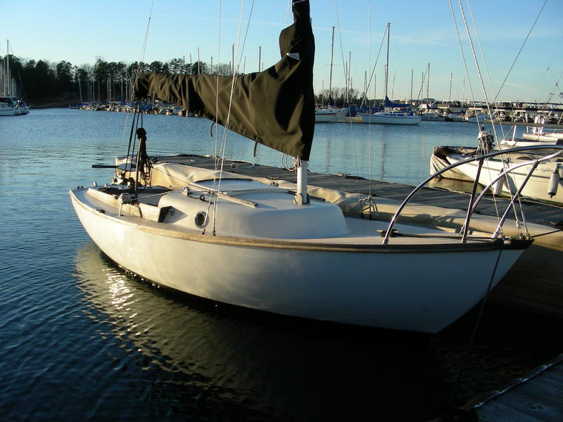 Cape Dory Typhoon Cape Dory Typhoon 921