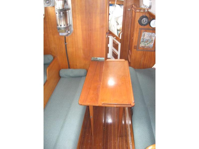Cape Yachts  Ted Brewer Designer Cape Carib 33