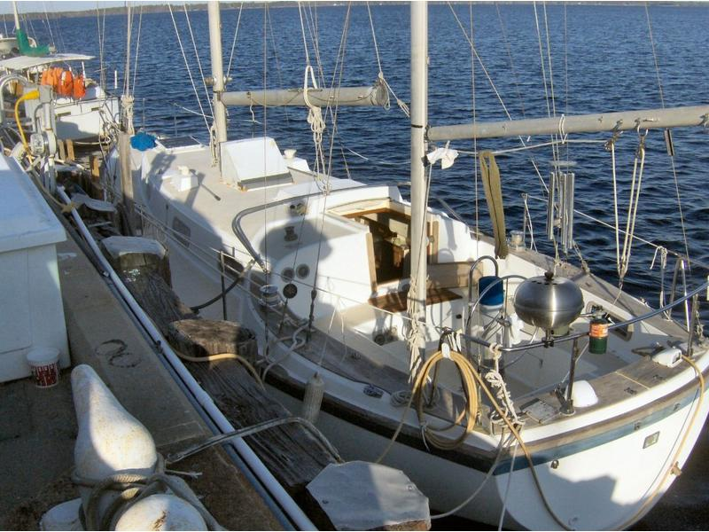 Pearson Yachts 365 Ketch