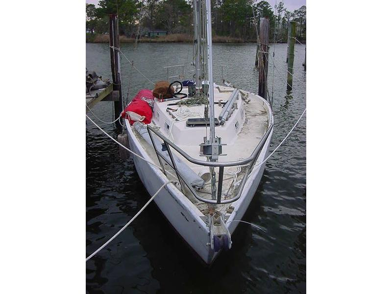 Prairie Yachts Cutter sailboat