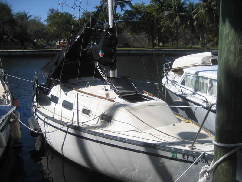 HUNTER 27 FOOT