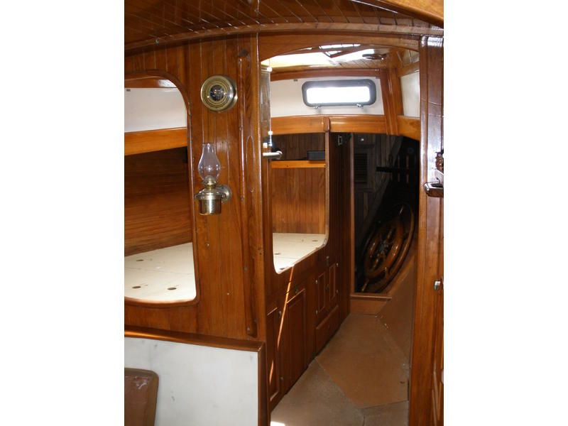 Hans Christian 43 with performance keel