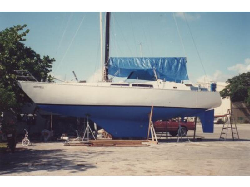 Custom MC Yachts Blue Ocean 42