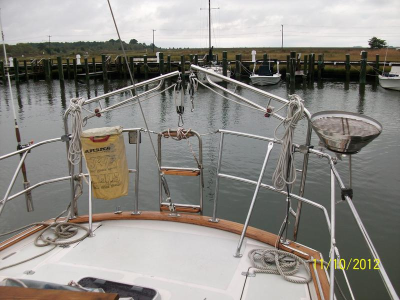 1986 Irwin Sloop Center Cockpit