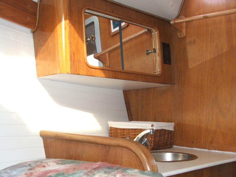 1999 Catalina Morgan 381