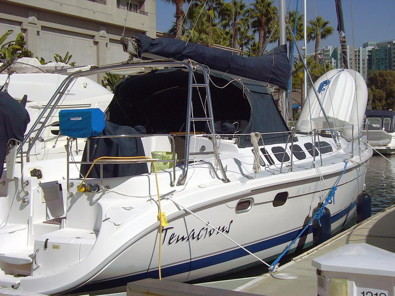 Hunter Marine 460