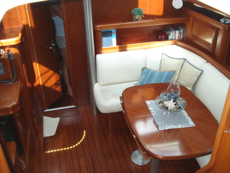 Beneteau center cockpit