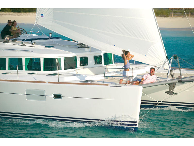 lagoon 440   charter business