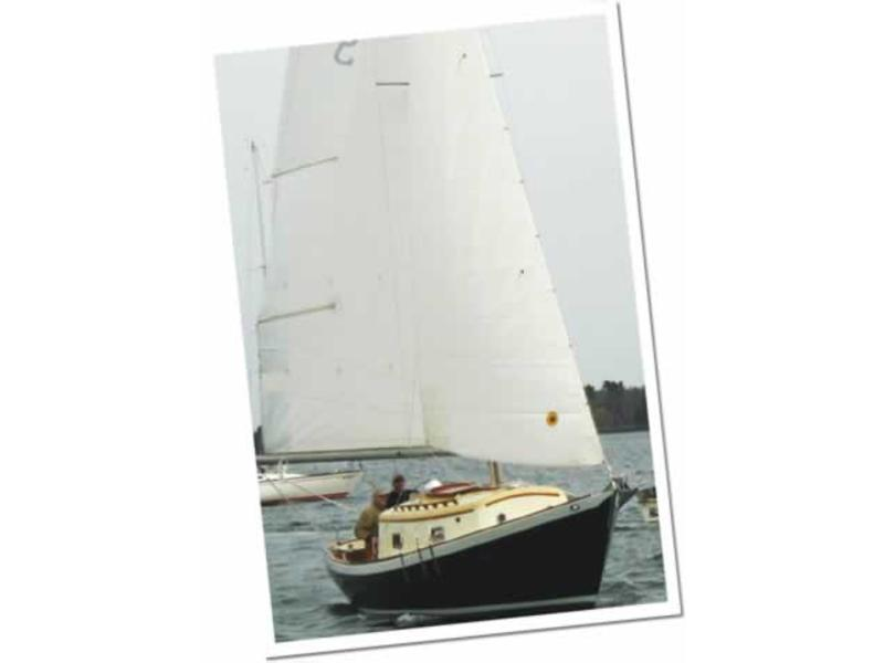 Eastsail Yachts New Moon 25